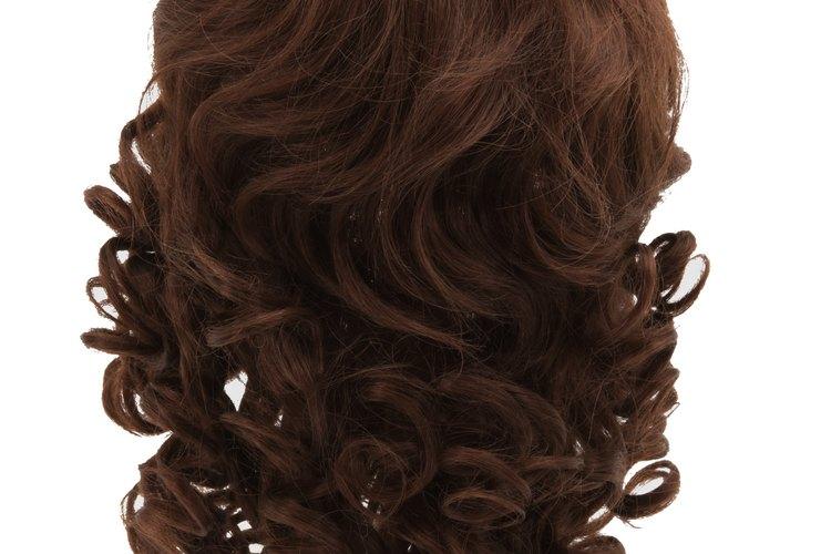 Las pelucas sintéticas no pueden ser decoloradas.