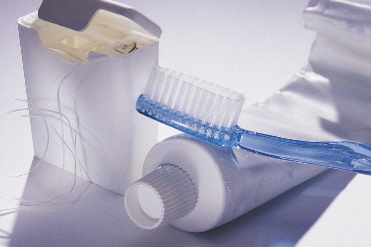 Ilustra la importancia de usar el hilo dental con esta divertida y desordenado actividad.