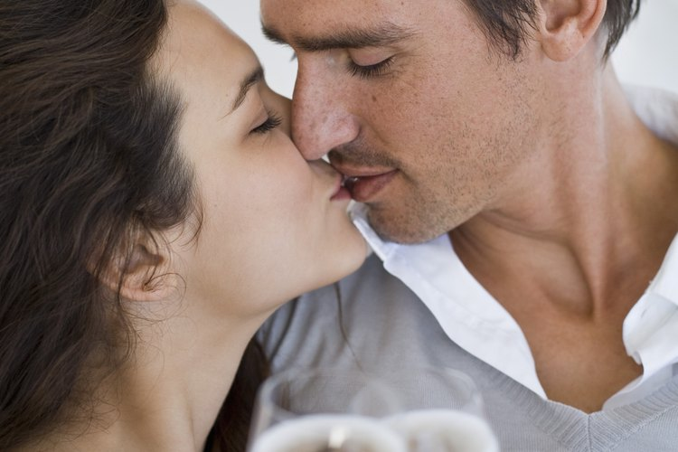 Las relaciones kármicas son a menudo más perceptibles como un romance pero se extiende a todas nuestras relaciones.