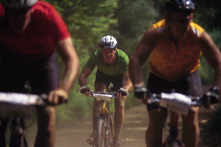 Los retos atléticos empujan a los competidores a los límites de sus habilidades.