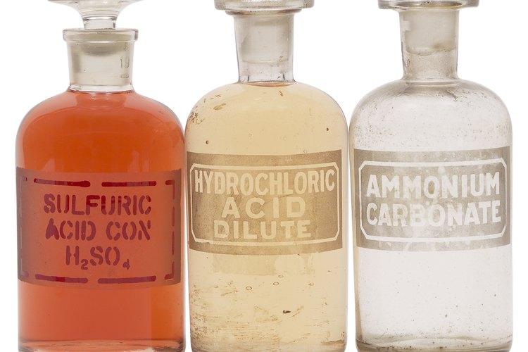 Ten mucho cuidado al manipular el ácido clorhídrico.