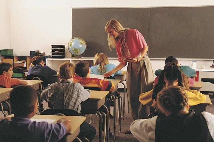 El aula es un lugar para que los profesores y estudiantes utilicen su tiempo de manera constructiva y lleguen a conocerse unos a otros.