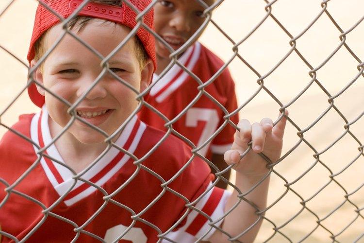 Los niños pueden recalentarse y deshidratarse cuando hacen ejercicios en clima cálido y soleado.