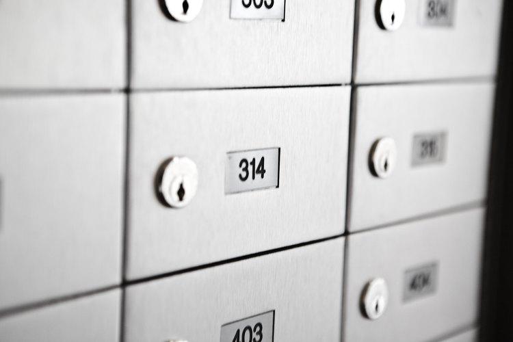 Puedes rentar un apartado postal en Miami por un año o seis meses a la vez.