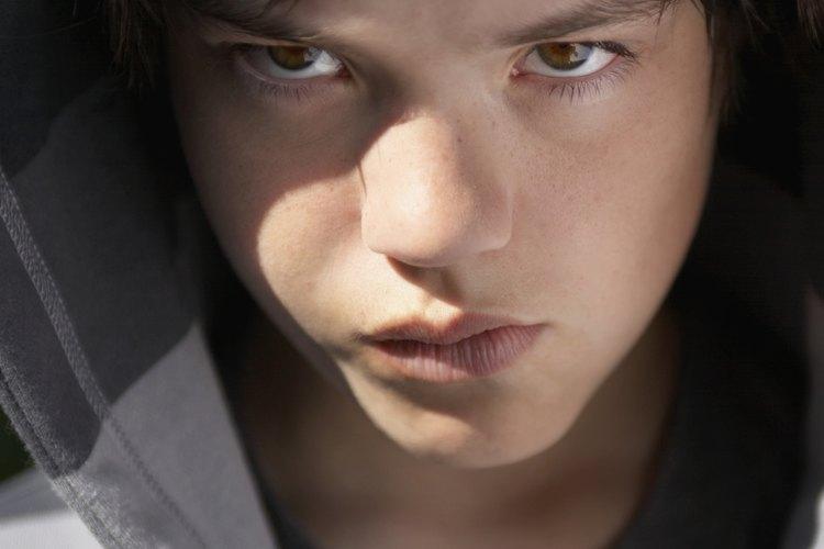 Los jóvenes con problemas se benefician de tener un ambiente de apoyo y de colaboración.