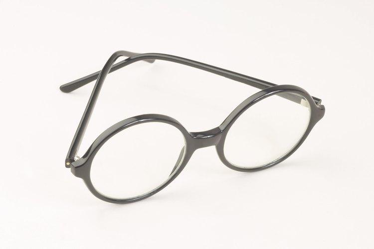 La mayoría de los centros ópticos venden anteojos adecuados para niños pequeños.