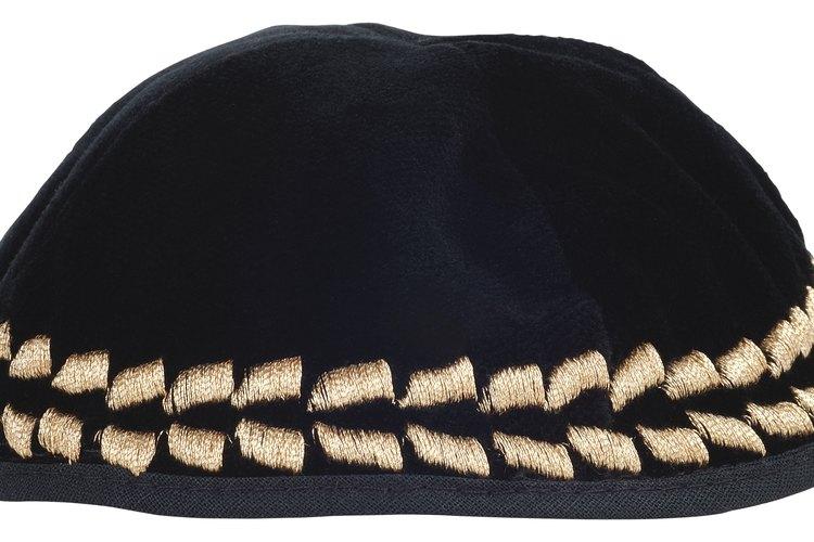 Usar una yarmulke no es una ley, sino una costumbre profundamente arraigada.