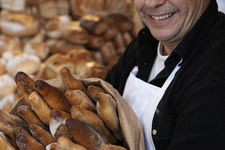 Los supermercados operan panaderías en sus tiendas para atraer a los clientes con el aroma.