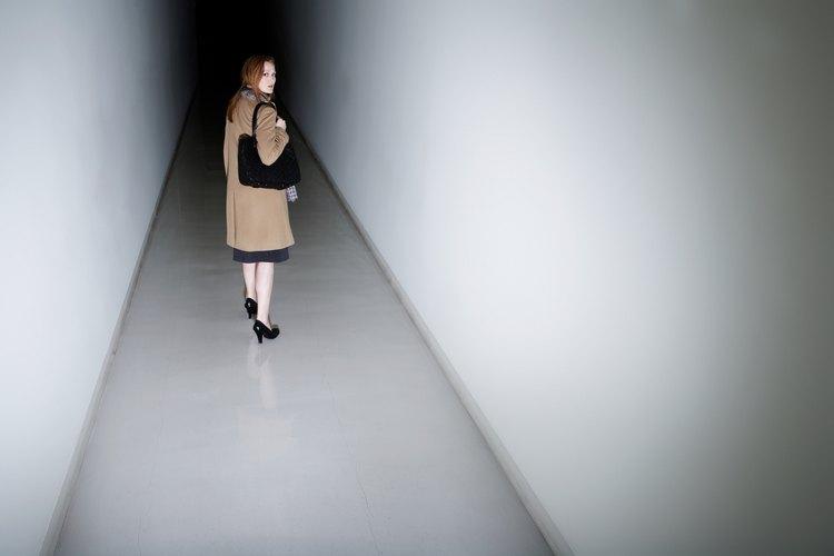 No dejes que el pasillo de tu hogar luzca como un túnel.