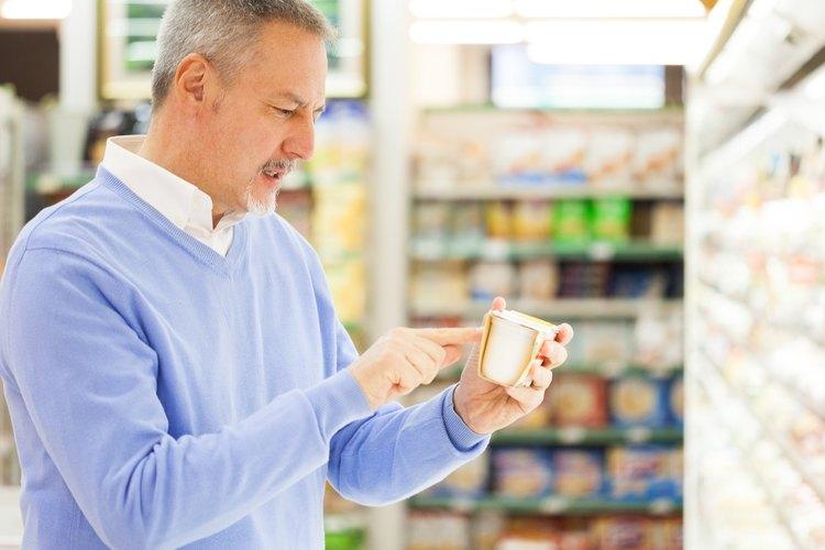 El yogur griego tiene una vida útil más larga que el yogur regular, ya que contiene menos suero.