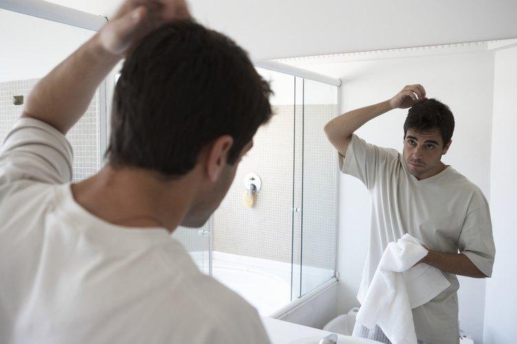 Los hombres con cabello grueso a menudo tienen dificultad para encontrar el peinado perfecto.