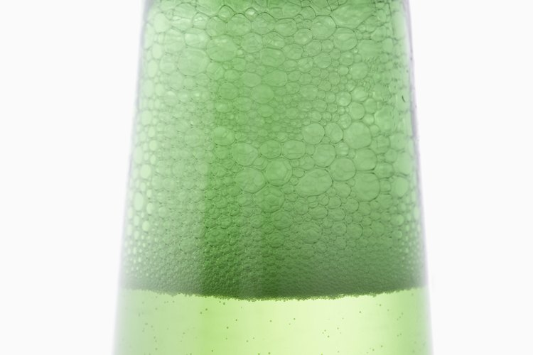 Los tapones de botella son fácilmente reconocibles y un material versátil para manualidades.