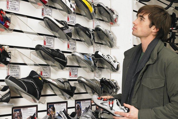 Considera la compra de artículos deportivos o ropa para tu adolescente.
