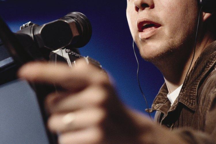 Una gran cantidad de especialistas están involucrados en la realización de una producción de cine o TV.