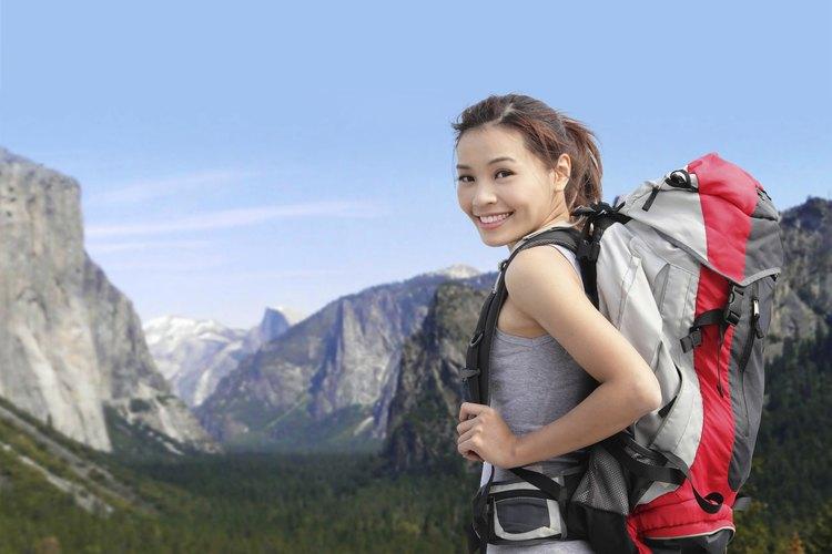 El Parque Yosemite permite acampar en áreas naturales.