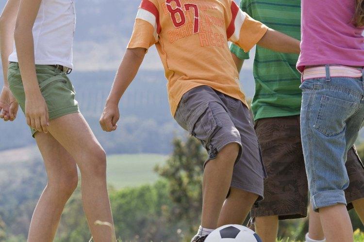 Permite que el patrón de balón de fútbol inspire tu forma de pintar.