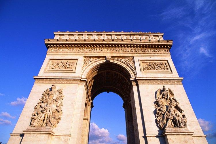 Se utilizan nombres en francés aunque la ciudad que se describe es Buenos Aires.