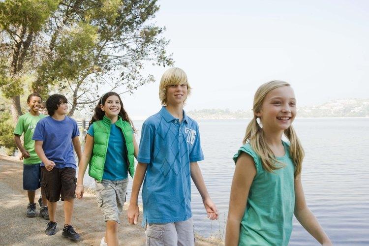 Los niños pierden aproximadamente un mes de crecimiento mental durante el verano sin programas de enriquecimiento, de acuerdo con la Fundación Wallace.