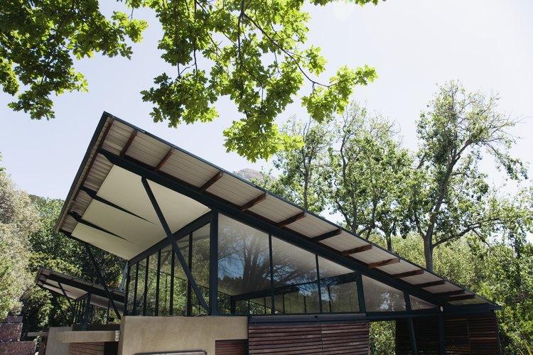 Este tipo de techos se usa en distintas opciones como garajes, cobertizos e incluso en algunas viviendas.