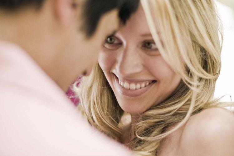 Hacer las preguntas adecuadas a tu chico aumentará su interés.
