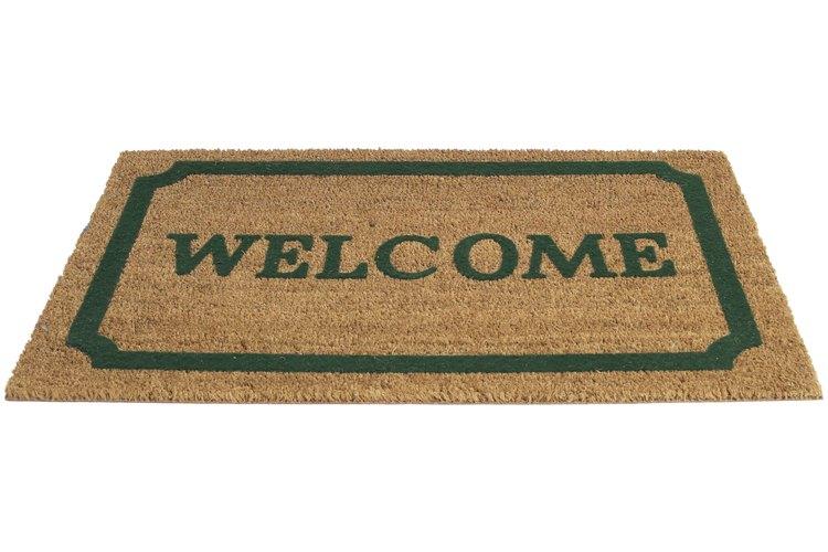 El saludo de bienvenida marca el principio de un evento.