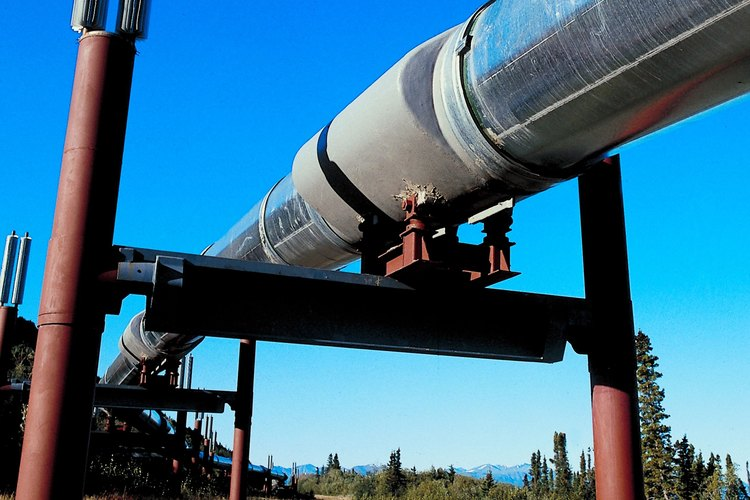 Los pernos A193 se exigen en la construcción de las cañerías de petróleo según los estándares del American Petroleum Institute.