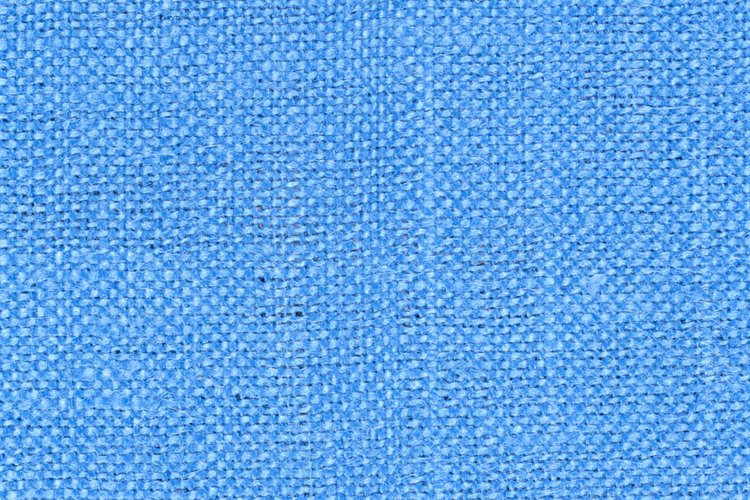 Dentro de la industria textil, los tejidos se colocan en dos categorías: naturales y hechas por el hombre o manufacturadas.