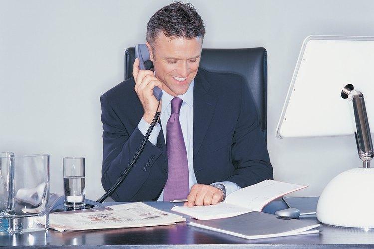 Los estudios académicos del administrador son a nivel licenciatura con cursos de especialización.