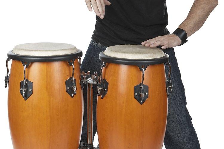 Hay distintos tipos de instrumentos de percusión.