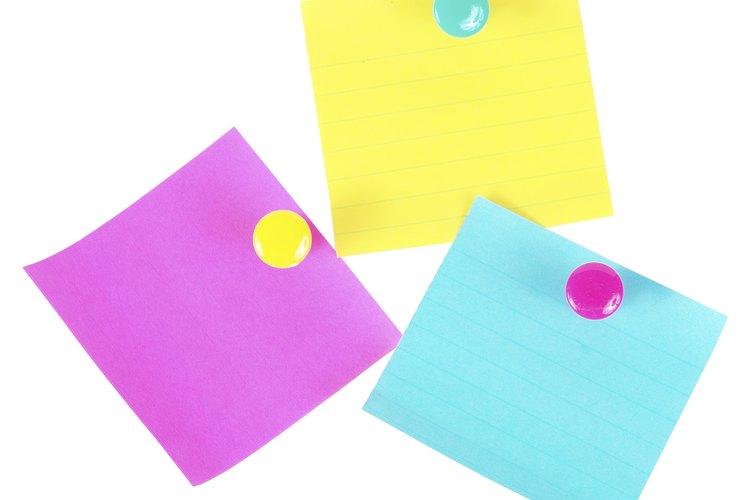 Escribe con anticipación los números del 1 al 20 (o hasta el número de participantes) en tarjetas.