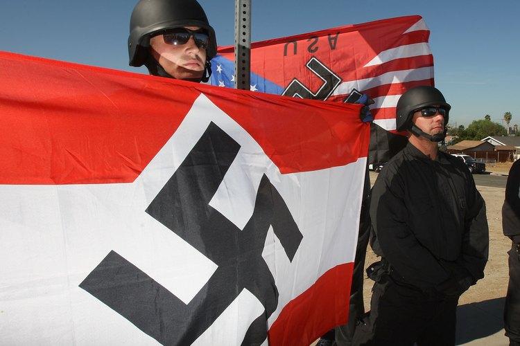 Los supremacistas blancos creen que son superiores a todos los demás.