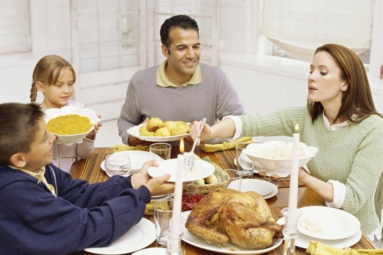 Las comidas en familia son ideales para las devociones informales.