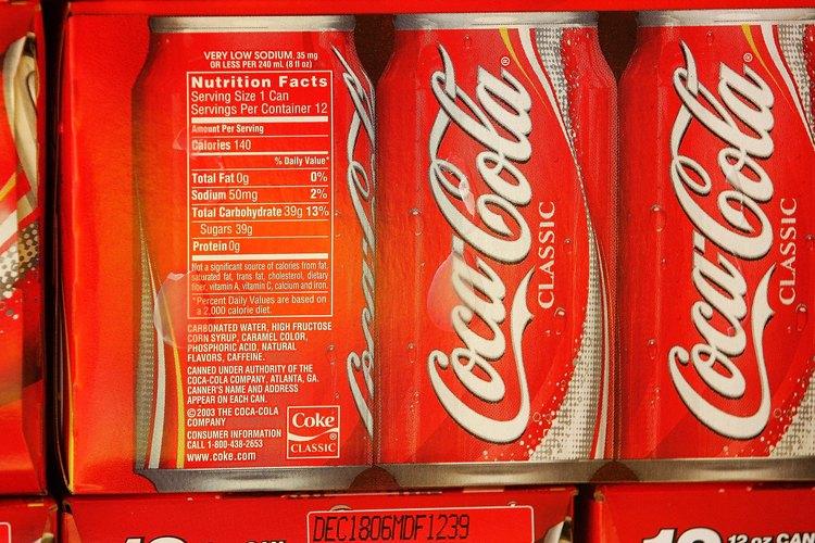 Latas de Coca Cola.