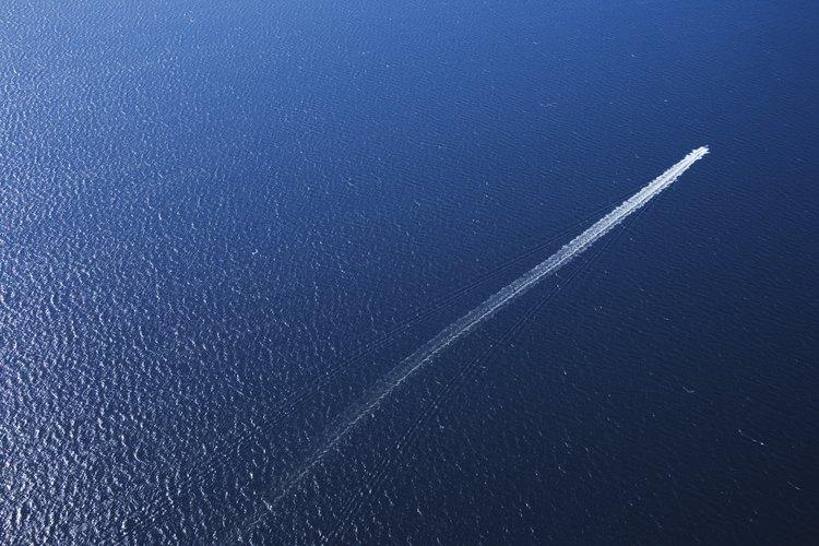 Hay cinco subdivisiones principales de los océanos del mundo.
