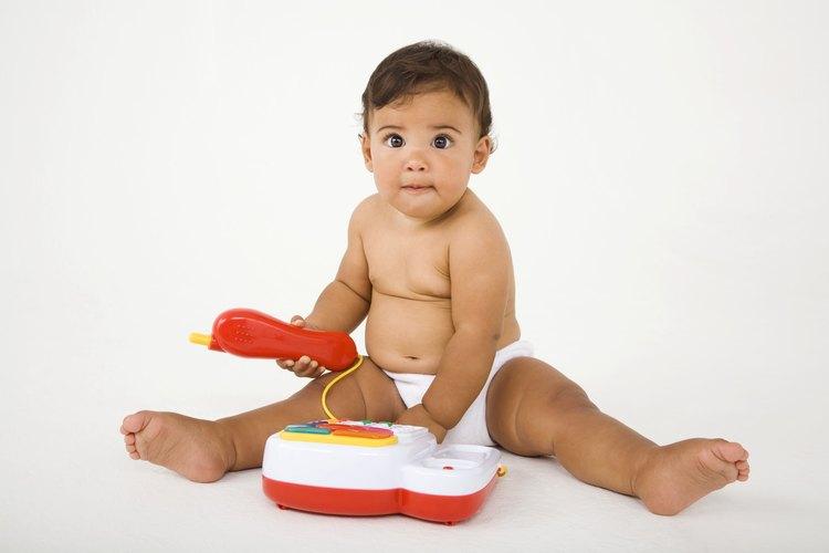 Los juguetes de plástico sin pilas se pueden limpiar y desinfectar en el lavavajillas.