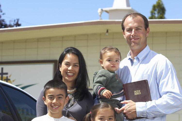Tu familia de la iglesia espera impacientemente ver a tu pequeño aparecer en el templo.