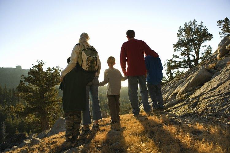 Ir de excursión con los niños crea un vínculo.