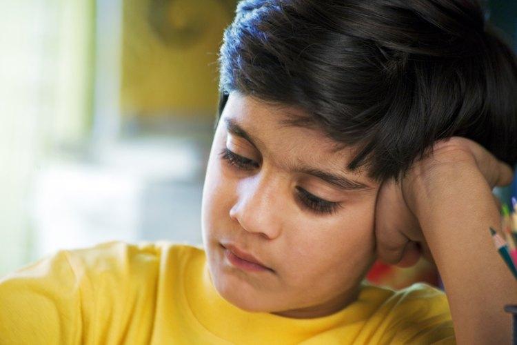 Los hijos de padres fríos tienen menos amigos y no les va tan bien en la escuela.
