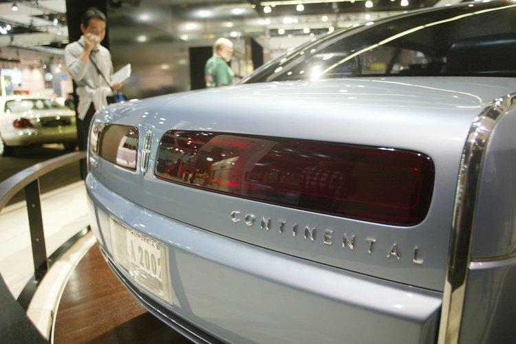 Tanto el sedán como los modelos ZX2 del Ford Escort 2000 ofrecieron los motores de 2,0 litros.