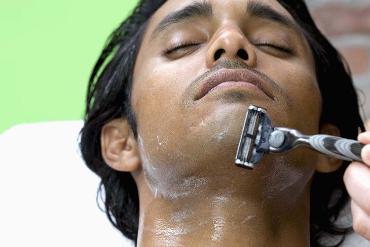La mayoría de las personas no tienen ni el tiempo ni la intención de esforzarse mucho en el afeitado.