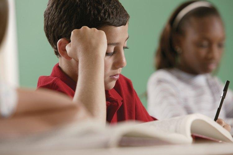 Leer y escribir ayuda a los estudiantes a practicar la alfabetización y la comprensión.