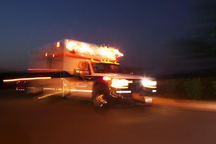 Los accidentes vehiculares son la causa de la mayoría de las muertes de los paramédicos.