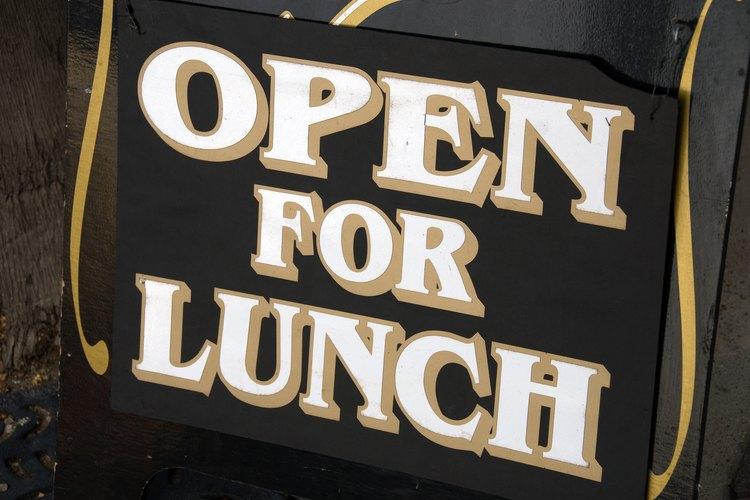 Las invitaciones para almorzar deben hacer que el potencial invitado se sienta bienvenido.