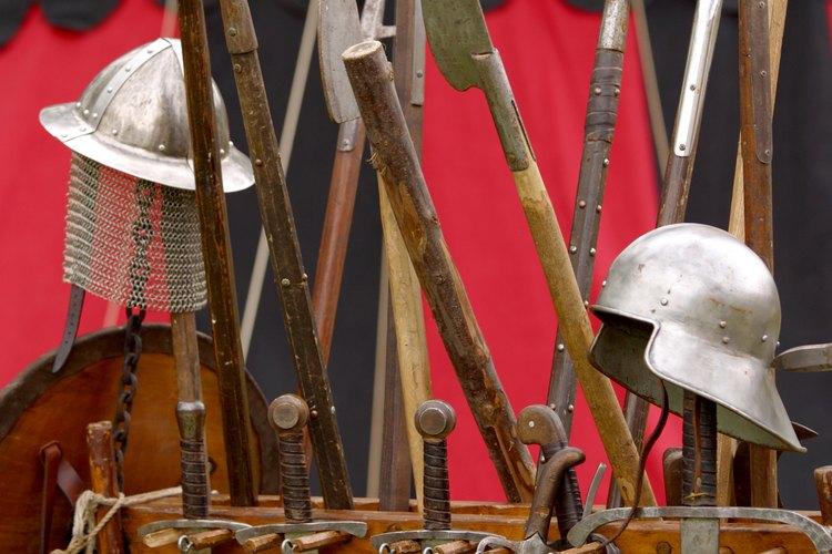 Todos los tipos de equipos del Renacimiento se venden en la feria.