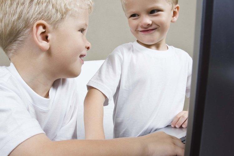 Las computadoras pueden ser una forma divertida para que los niños adquieran nuevas habilidades.