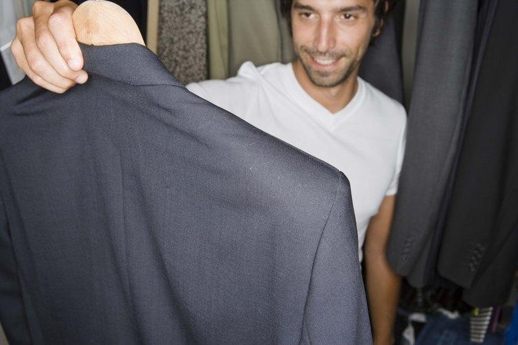 Aprende las reglas del protocolo de vestimenta profesional.