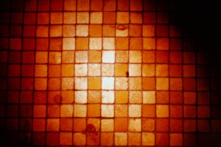 Las baldosas tipo mosaico requieren menos pegamento de alta adhesión que las baldosas más grandes.