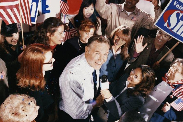 Los adolescentes pueden no estar interesados en los políticos pero estar interesados en política.