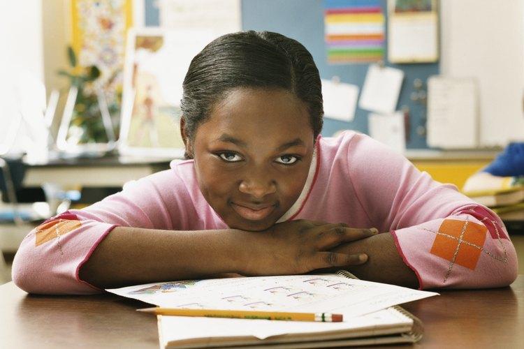 Alumno haciendo su tarea.