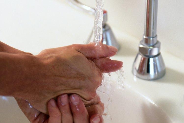Lava bien tus manos después del champú.